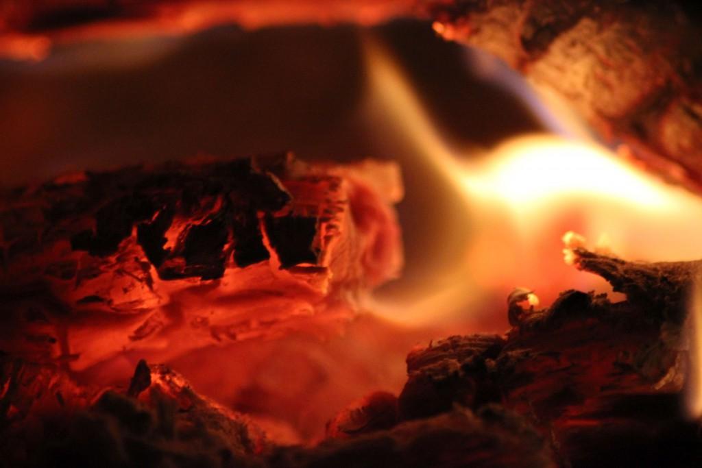 Man sollte stets mit dem Feuer spielen.