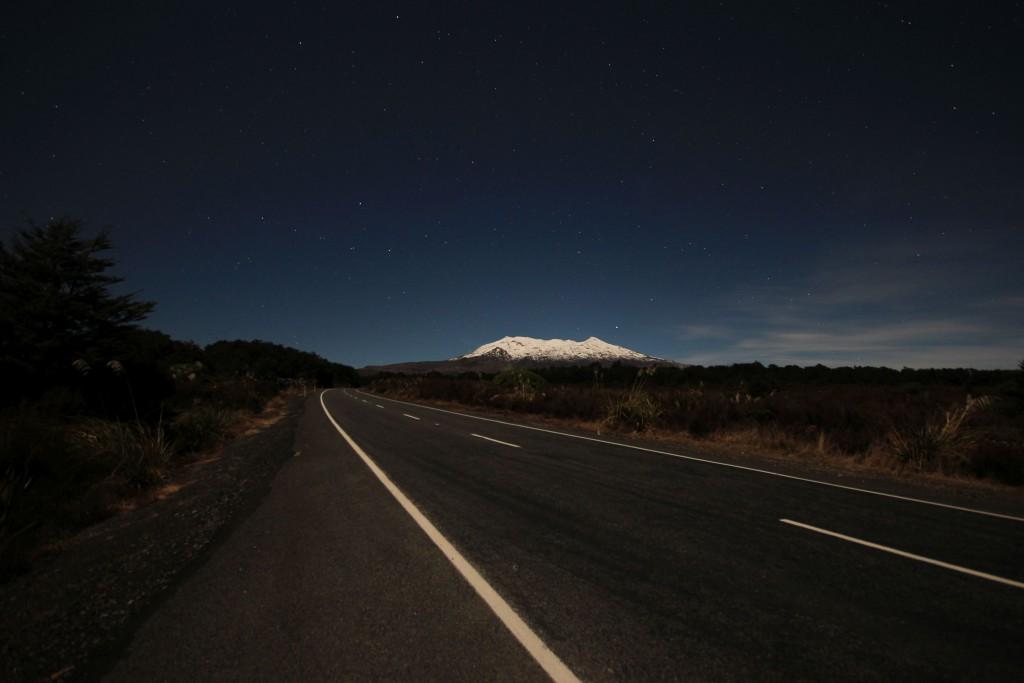 Und hier der Mount Ruapehu bei Nacht