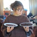 Das ist keine tote Oma. Das ist Léa. War ein Spaß, ist selbstgemachte Schokolade..