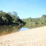 Hier der Abhängplatz am Fluss.